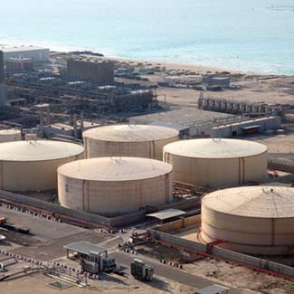 Large capacity storage tanks in the gulf coast